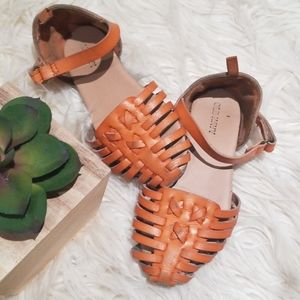 Kids leather weave sandals old navy size 9